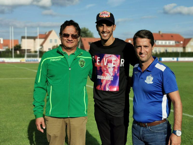 Gonçalo Nunes og Akil Momade fikk se mange spennende spillere under NF Qualification Camp. Her sammen med FC København kaptein Zeca som er NF Academy ambassadør, og holdt et inspirerende foredrag for spillere under treningsleiren.