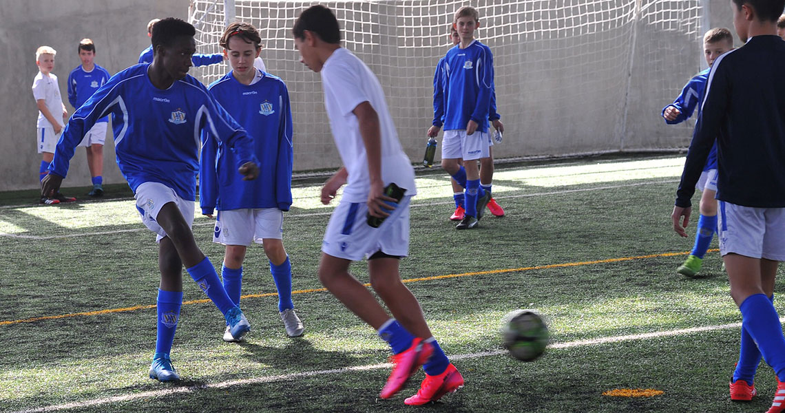 nf-academy-indoor-training-youth-football-2