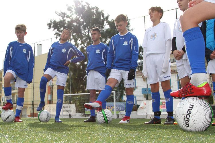 Denne sommeren kan lærelystne spillere melde seg på NF International